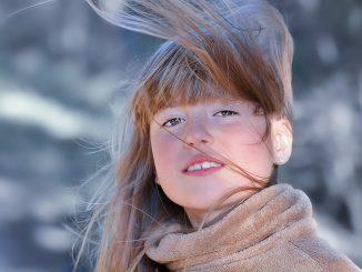 Cum hidratăm părul uscat